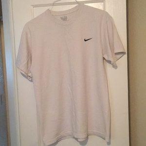 Nike shirt sleeve shirt